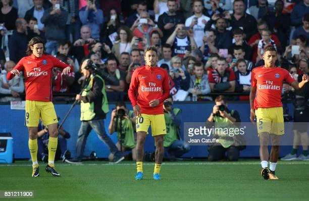 Edinson Cavani Neymar Jr Marquinhos of PSG warm up before the French Ligue 1 match between En Avant Guingamp and Paris Saint Germain at Stade de...