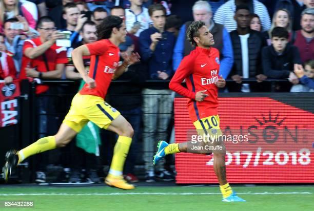 Edinson Cavani Neymar Jr of PSG warm up before the French Ligue 1 match between En Avant Guingamp and Paris Saint Germain at Stade de Roudourou on...