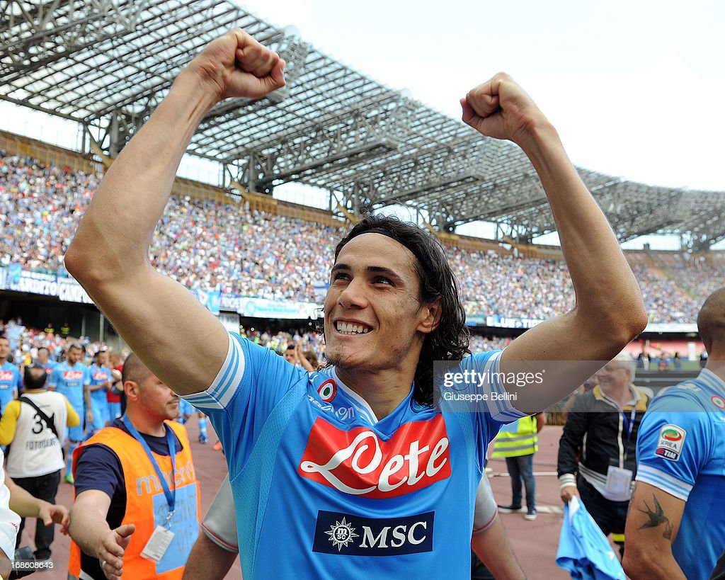 <a gi-track='captionPersonalityLinkClicked' href=/galleries/search?phrase=Edinson+Cavani&family=editorial&specificpeople=4104253 ng-click='$event.stopPropagation()'>Edinson Cavani</a> of Napoli celebrates the victory after the Serie A match between SSC Napoli and AC Siena at Stadio San Paolo on May 12, 2013 in Naples, Italy.