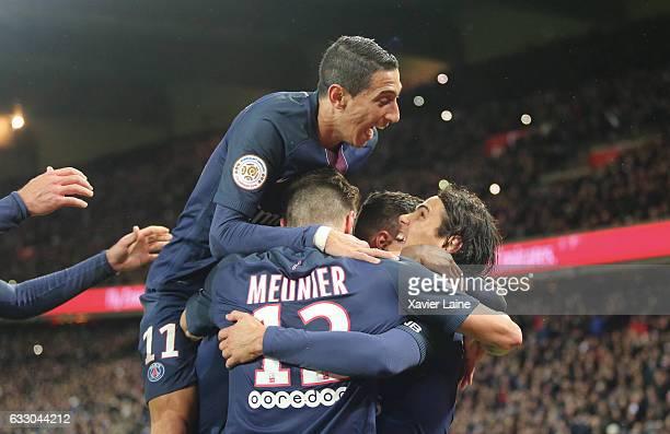 Edinson Cavani of Paris SaintGermain celebrate his goal with Angel Di Maria and Thomas Meunier during the French League 1 match between Paris...