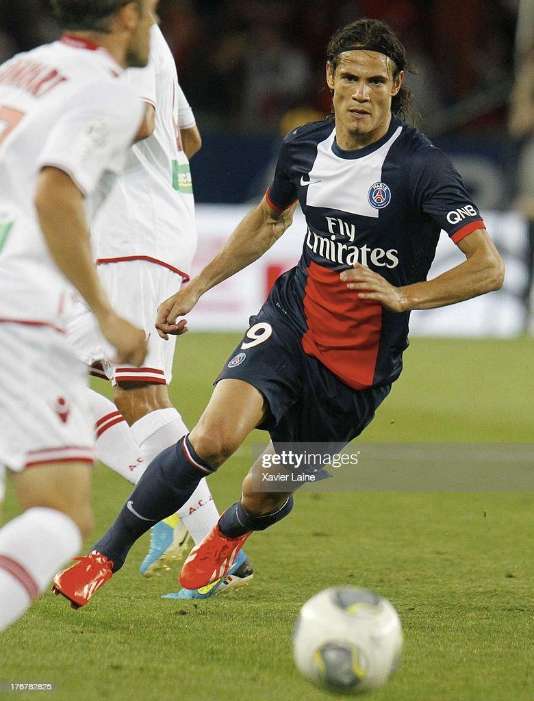 Edinson Cavani of Paris Saint-Germain in action during the French League 1 between Paris Saint-Germain FC and AC Ajaccio, at Parc des Princes on August 18, 2013 in Paris, France.