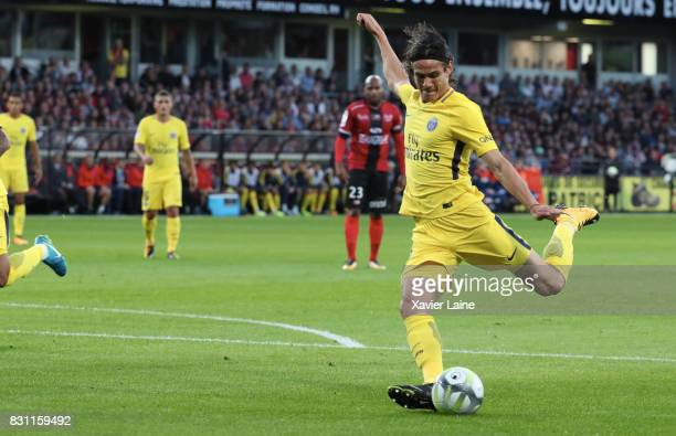 Edinson Cavani of Paris SaintGermain in action during the French Ligue 1 match between EA Guingamp and Paris Saint Germain at Stade du Roudourou on...