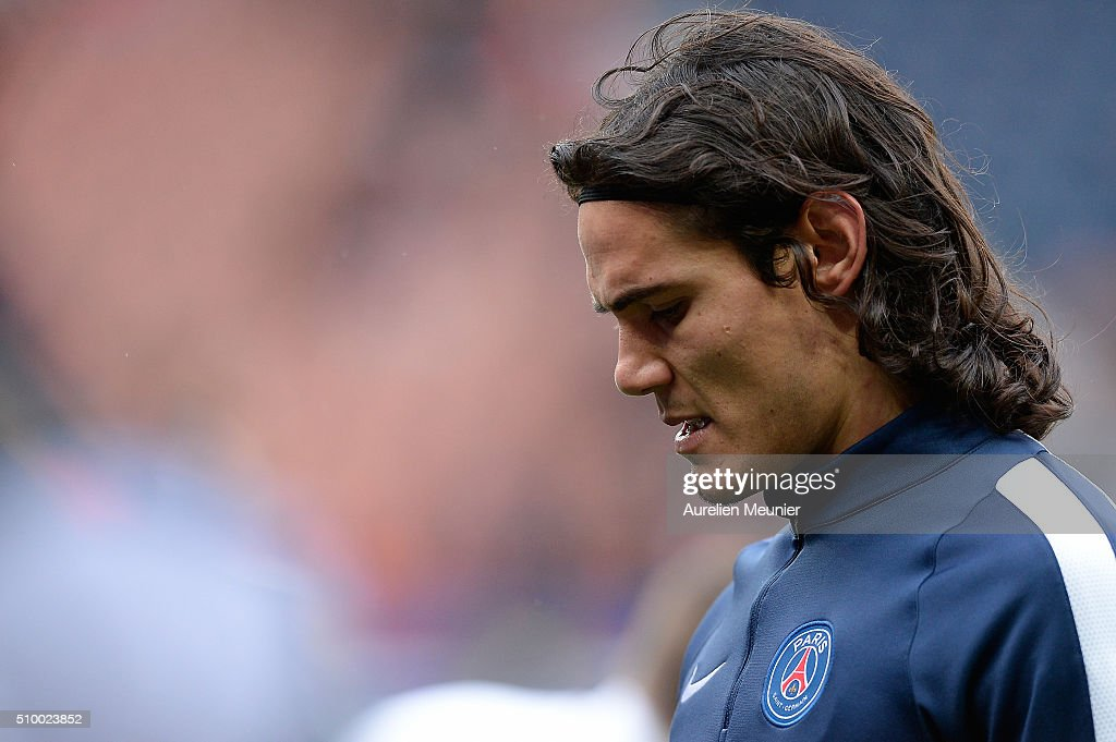 <a gi-track='captionPersonalityLinkClicked' href=/galleries/search?phrase=Edinson+Cavani&family=editorial&specificpeople=4104253 ng-click='$event.stopPropagation()'>Edinson Cavani</a> of Paris Saint-Germain reacts during warmup before the Ligue 1 game between Paris Saint-Germain and Lille OSC at Parc des Princes on February 13, 2016 in Paris, France.