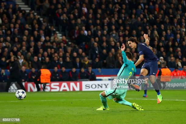 Edinson Cavani of Paris SaintGermain scores his team's fourth goal during the UEFA Champions League Round of 16 first leg match between Paris...