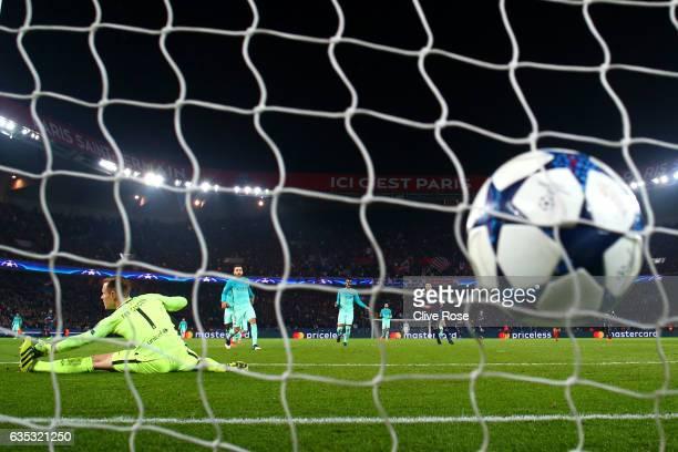 Edinson Cavani of Paris SaintGermain scores his team's fourth goal past MarcAndre ter Stegen of Barcelona during the UEFA Champions League Round of...