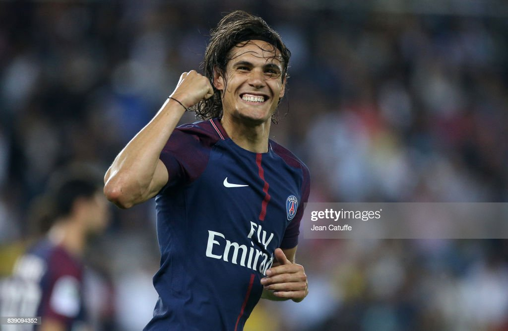 Edinson Cavani of PSG celebrates his first goal during the French Ligue 1 match between Paris Saint Germain (PSG) and AS Saint-Etienne (ASSE) at Parc des Princes on August 25, 2017 in Paris, France.