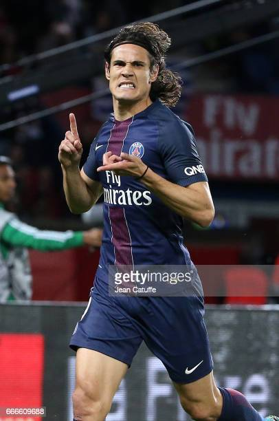 Edinson Cavani of PSG celebrates his goal during the French Ligue 1 match between Paris SaintGermain and En Avant Guingamp at Parc des Princes on...