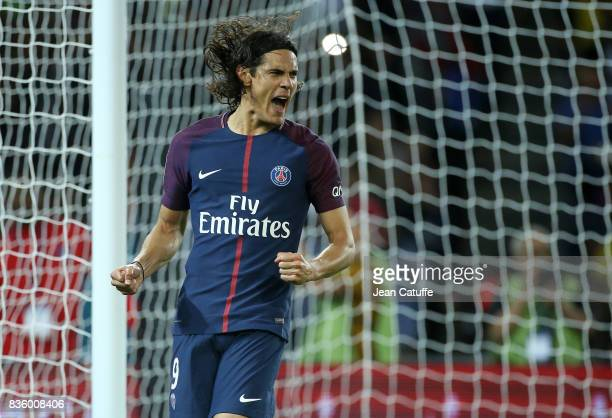 Edinson Cavani of PSG celebrates his goal during the French Ligue 1 match between Paris Saint Germain and Toulouse FC at Parc des Princes on August...