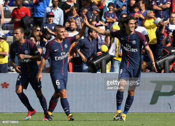 Edinson Cavani of PSG celebrates his goal with Marco Verratti during the French Ligue 1 match between Paris Saint Germain and Amiens SC at Parc des...