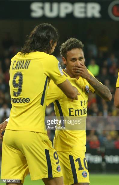 Edinson Cavani of PSG celebrates his goal with Neymar Jr during the French Ligue 1 match between En Avant Guingamp and Paris Saint Germain at Stade...