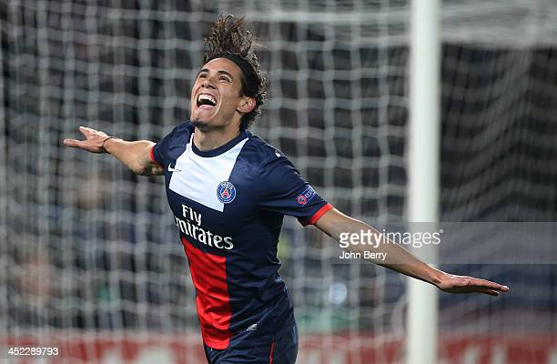 Edinson Cavani of PSG celebrates his winning goal during the UEFA Champions League Group C match between Paris SaintGermain FC and Olympiacos FC at...