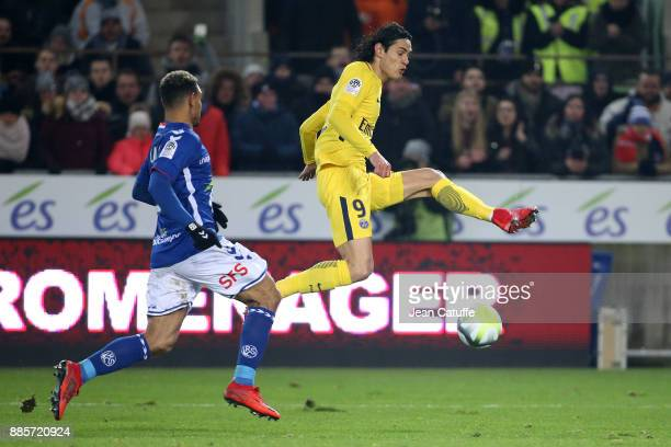 Edinson Cavani of PSG during the French Ligue 1 match between RC Strasbourg Alsace and Paris Saint Germain at Stade de la Meinau on December 2 2017...