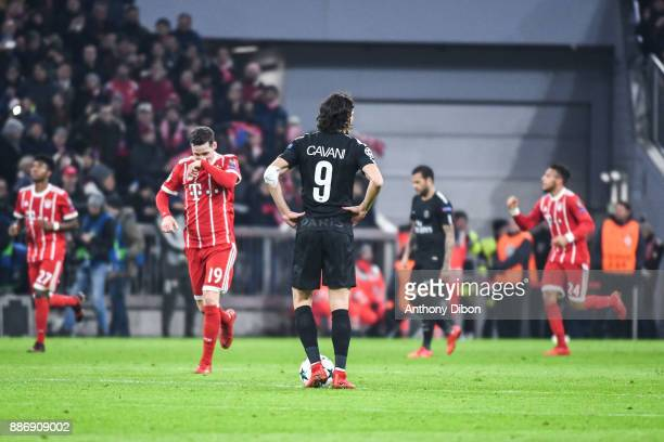 Edinson Cavani of PSG looks dejected during the UEFA Champions League match between Bayern Munich and Paris Saint Germain at Allianz Arena on...