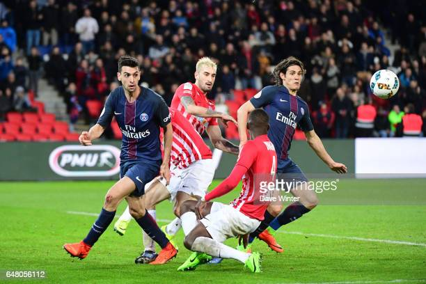 Edinson Cavani of PSG Modou Diagne of Nancy Erick Cabaco of Nancy and Javier Pastore of PSG during the French Ligue 1 match between Paris Saint...