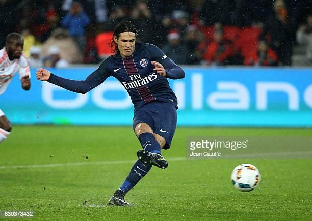 Edinson Cavani of PSG scores a goal on a penalty kick during the French Ligue 1 match between Paris SaintGermain and FC Lorient at Parc des Princes...