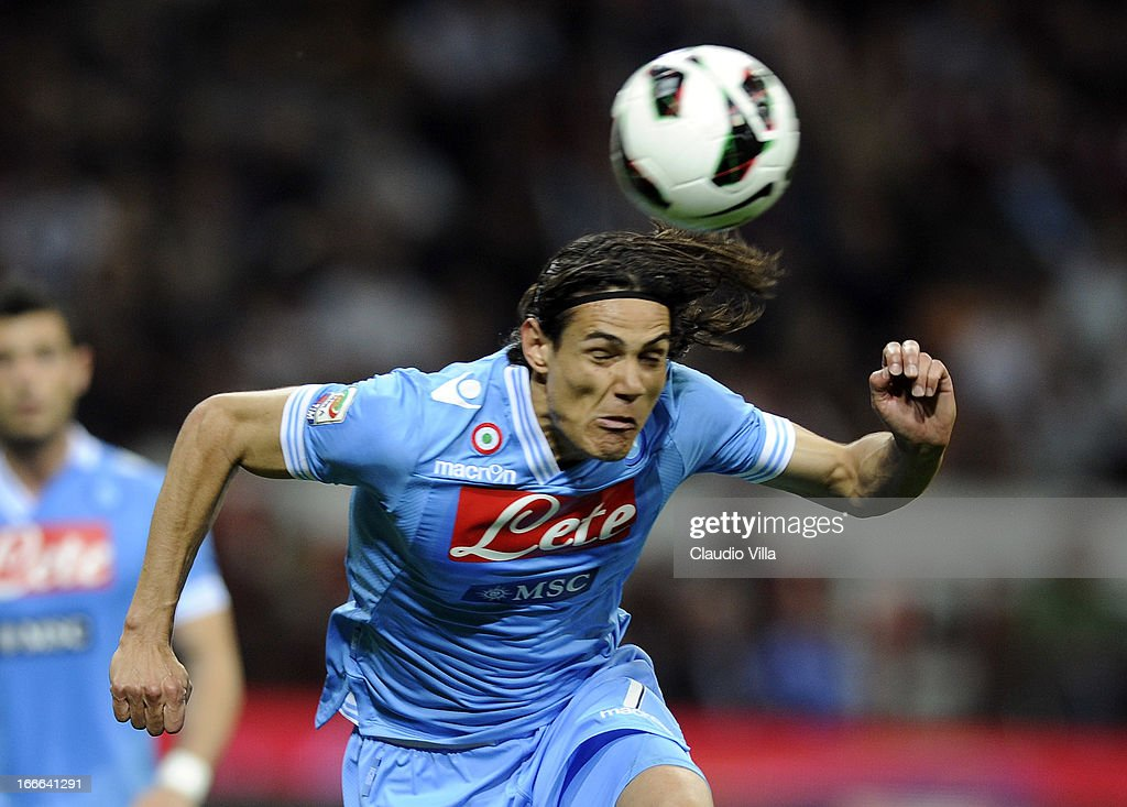 Edinson Cavani of SSC Napoli in action during the Serie A match between AC Milan and SSC Napoli at San Siro Stadium on April 14, 2013 in Milan, Italy.