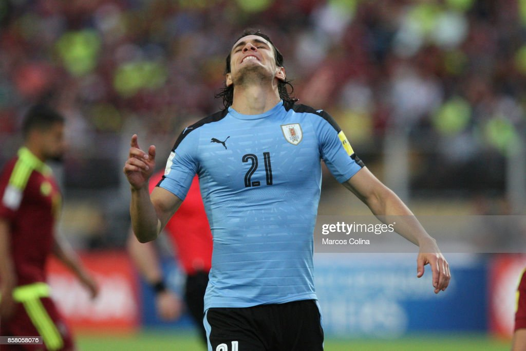 Edinson Cavani of Uruguay reacts during a match between Venezuela and Uruguay as part of FIFA 2018 World Cup Qualifiers at Pueblo Nuevo Stadium on October 05, 2017 in San Cristobal, Venezuela.