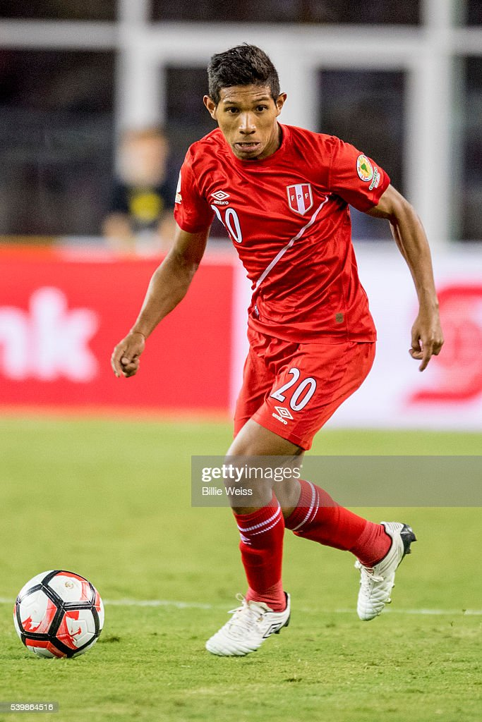 <a gi-track='captionPersonalityLinkClicked' href=/galleries/search?phrase=Edison+Flores&family=editorial&specificpeople=8597891 ng-click='$event.stopPropagation()'>Edison Flores</a> of Peru controls the ball during a group B match between Brazil and Peru at Gillette Stadium as part of Copa America Centenario US 2016 on June 12, 2016 in Foxboro, Massachusetts, US.