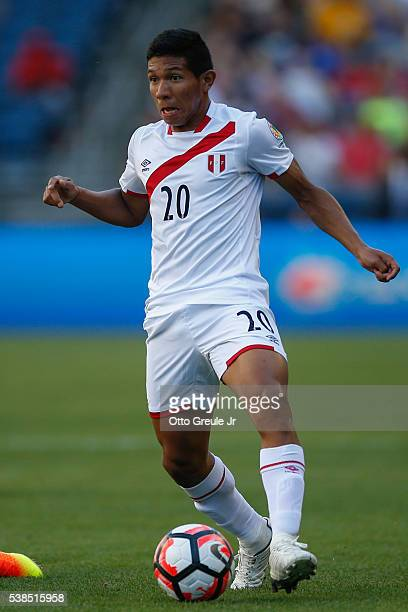 Edison Flores of Peru dribbles against Haiti during the 2016 Copa America Centenario Group B match at CenturyLink Field on June 4 2016 in Seattle...