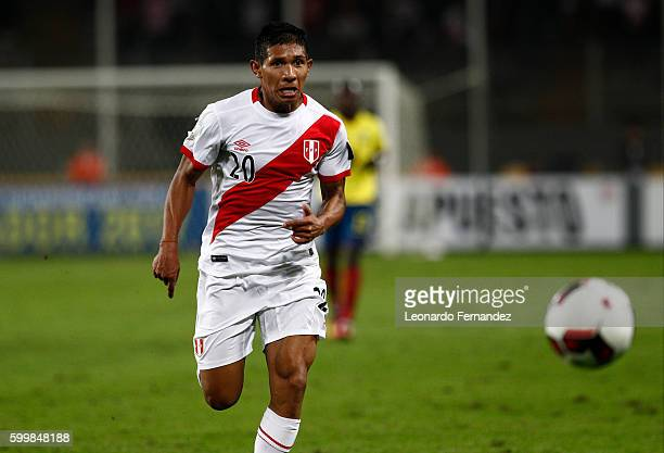Edison Flores of Peru goes for the ball during a match between Peru and Ecuador as part of FIFA 2018 World Cup Qualifiers at Nacional Stadium on...