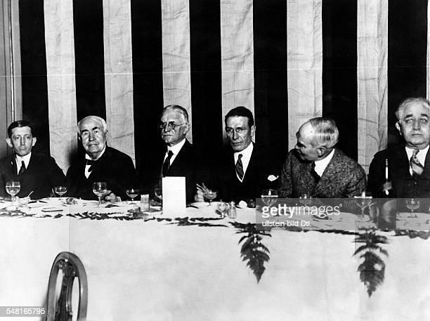 Edison Thomas Alva *11021847 Erfinder Unternehmer USA Entwickelte 1879 die Gluehlampe Gastmahl zu Ehren Thomas Edisons von Filmindustriellen...