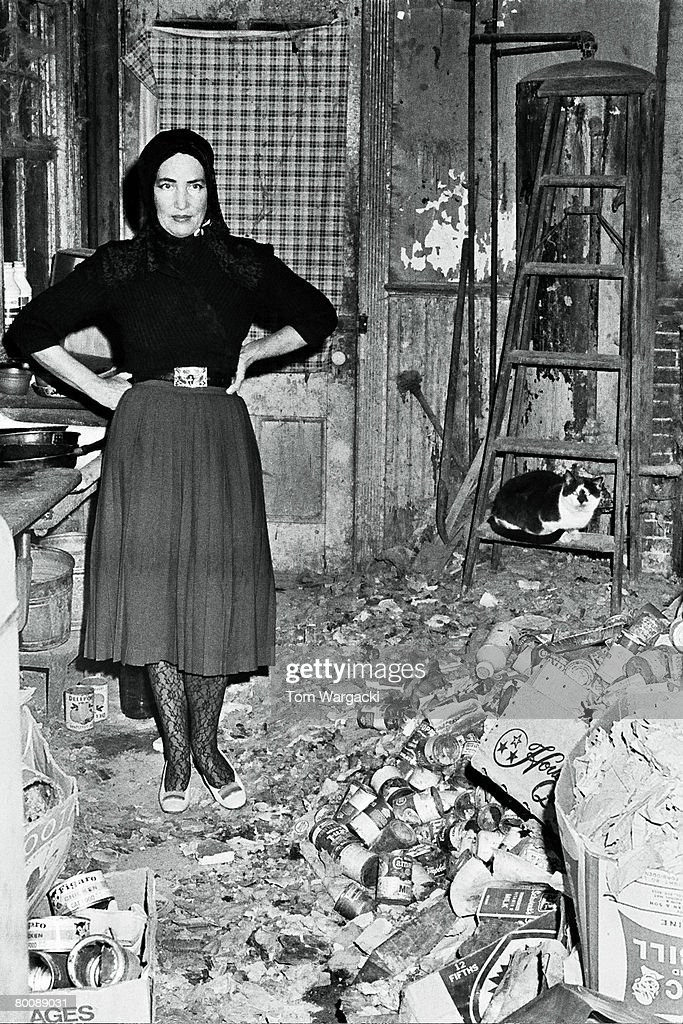 Edith bouvier beale pictures getty images - Edith bouvier beale grey gardens ...