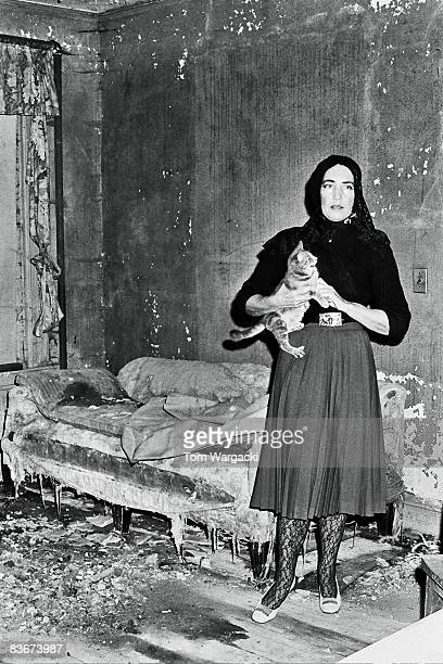 Grey gardens mansion stock photos and pictures getty images - Edith bouvier beale grey gardens ...