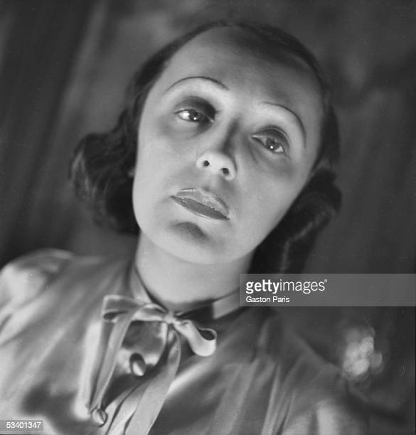 Edith Piaf French singer 1940