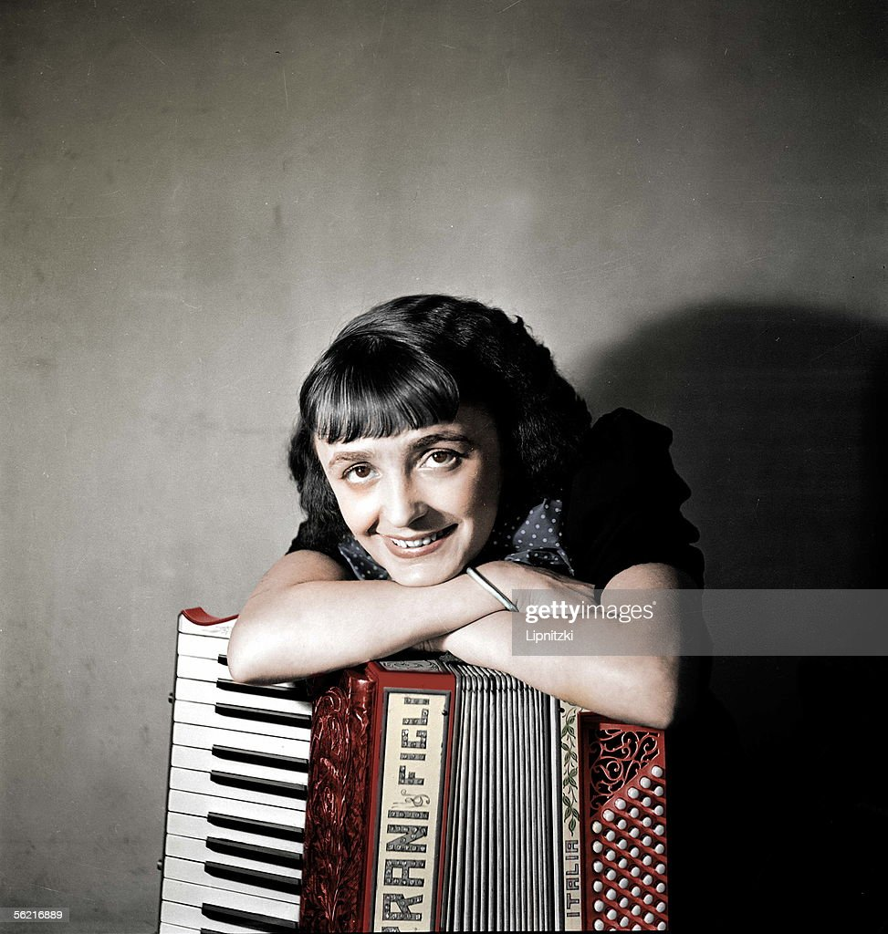 Edith Piaf (1915-1963), French singer, in 1936. Colourized photo.