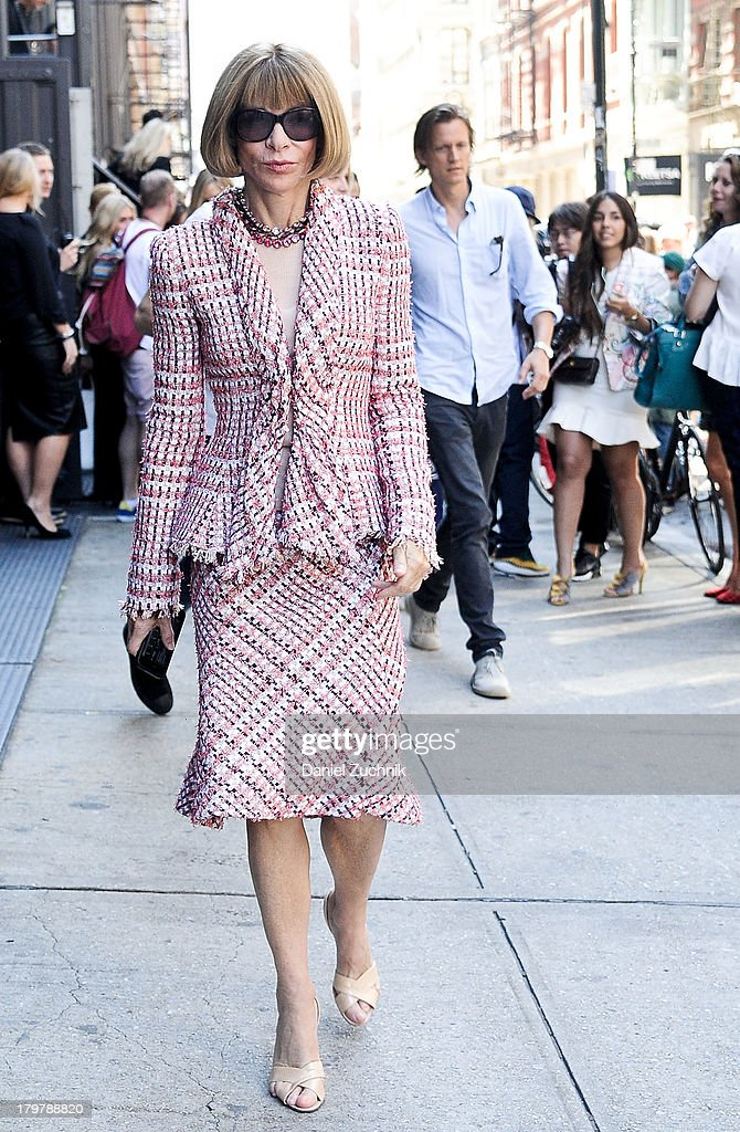 Editor in Chief of Vogue <a gi-track='captionPersonalityLinkClicked' href=/galleries/search?phrase=Anna+Wintour&family=editorial&specificpeople=202210 ng-click='$event.stopPropagation()'>Anna Wintour</a> is seen outside the Jason Wu show on September 6, 2013 in New York City.