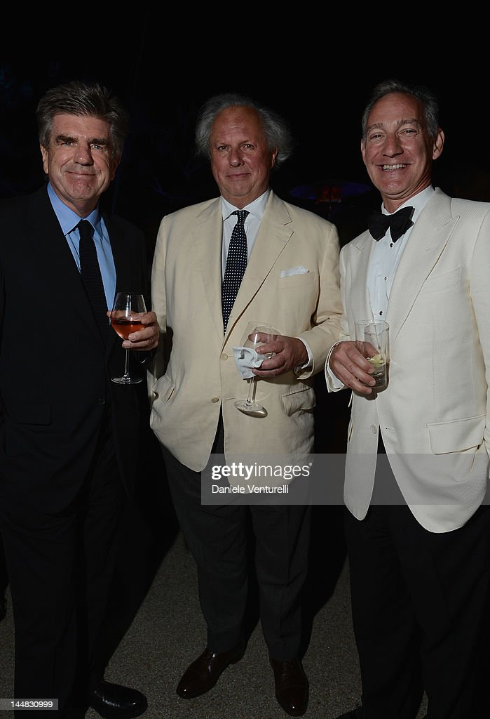 Editor of Vanity Fair Graydon Carter (C) attends the Vanity Fair and Gucci Party at Hotel Du Cap during 65th Annual Cannes Film Festival on May 19, 2012 in Antibes, France.