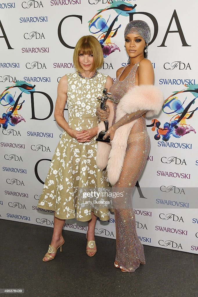 Editor-in-chief of American Vogue Anna Wintour and Fashion Icon award recipient Rihanna attend the winners walk during the 2014 CFDA fashion awards at Alice Tully Hall, Lincoln Center on June 2, 2014 in New York City.