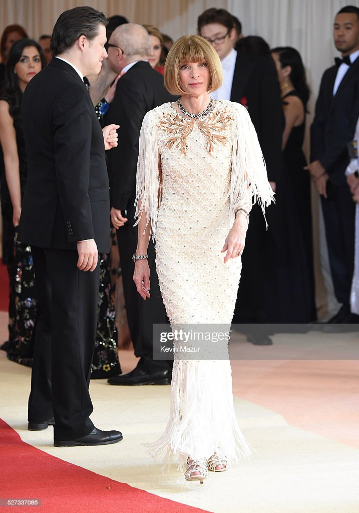 Editor-in-chief of American Vogue Anna Wintour attends 'Manus x Machina: Fashion In An Age Of Technology' Costume Institute Gala at Metropolitan Museum of Art on May 2, 2016 in New York City.