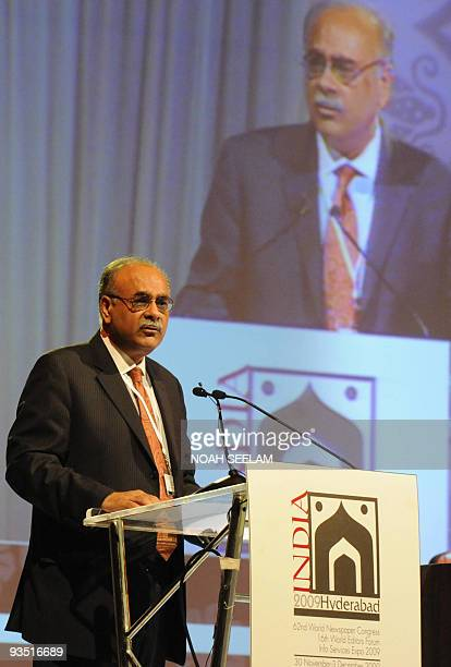 Editorinchief of the Friday Times and Daily Times in Pakistan Najam Sethi makes his acceptance speech after receiving the Golden Pen Award from the...
