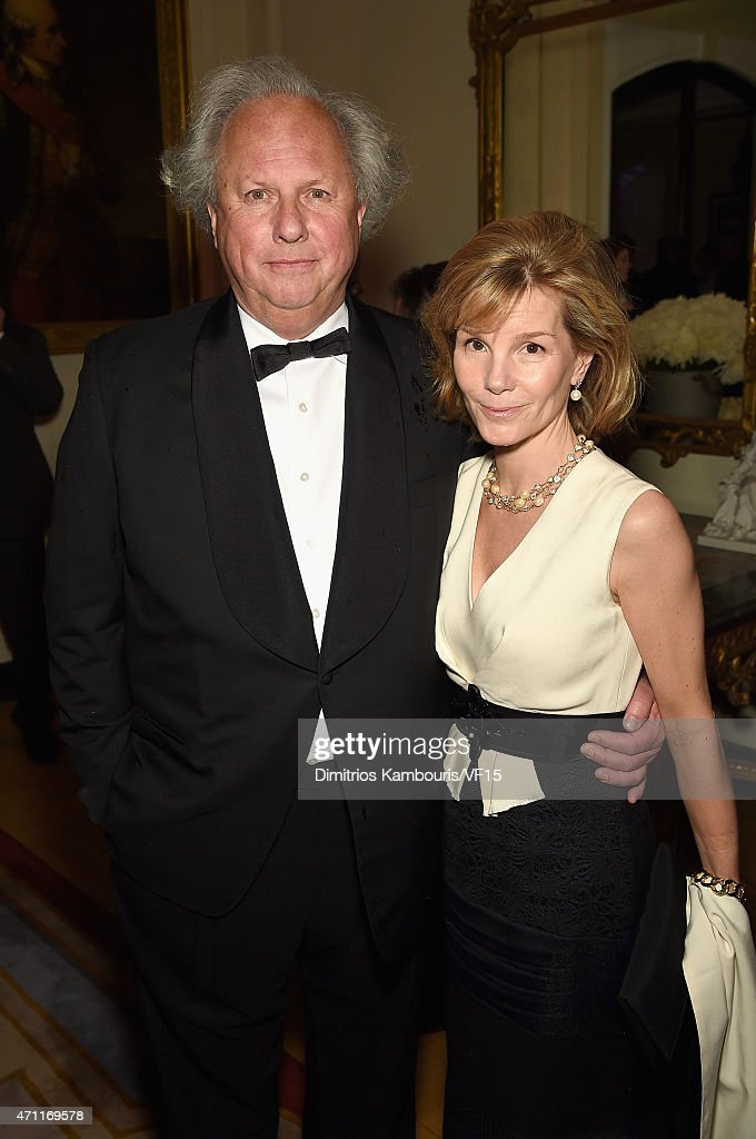 Editorinchief of Vanity Fair Graydon Carter and Anna Scott attend the Bloomberg Vanity Fair cocktail reception following the 2015 WHCA Dinner at the...
