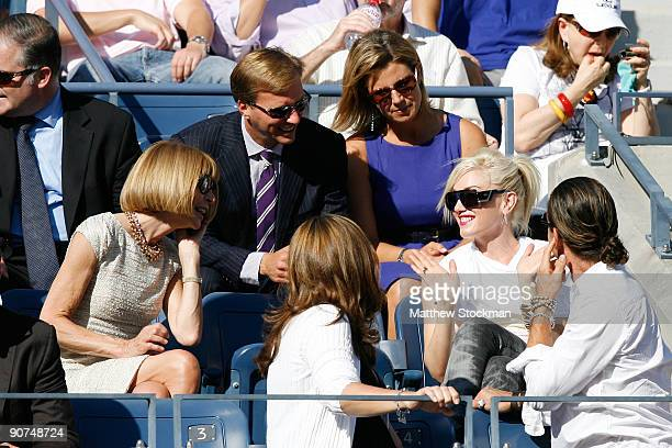 Editorinchief of Vogue Anna Wintour Mirka Federer Gwen Stefani and Gavin Rossdale at the match between Roger Federer of Switzerland and Juan Martin...