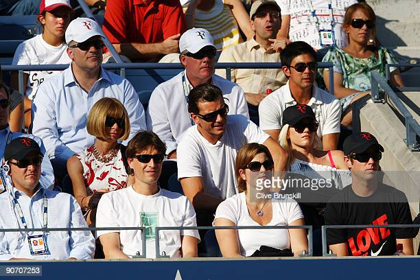 EditorinChief of Vogue magazine Anna Wintour singer Gavin Rossdale and singer Gwen Stefani watch the match between Roger Federer of Switzerland and...