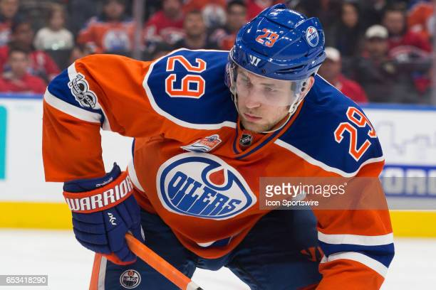 Edmonton Oilers Right Wing Leon Draisaitl leans into his stick at a face off on March 12 2017 at Rogers Place in Edmonton AB The Canadiens scored 4...