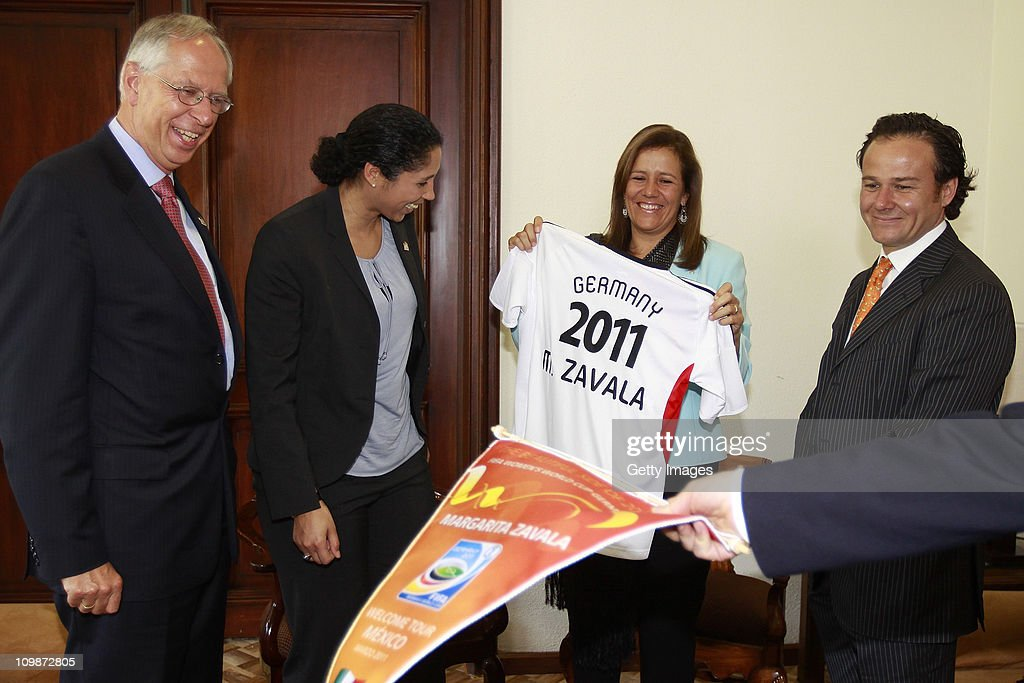 Edmund Duckwitz, German ambassador in Mexico, Steffi Jones, Organising Committee President's Cup Women's World Cup 2011, Margarita Zavala, first lady of Mexico, Bernardo de la Garza, president of Conade meet as part of the Germany 2011 FIFA Women's World Cup delegation Welcome Tour at Residencia Oficial de Los Pinos on March 08, 2011 in Mexico City, Mexico.