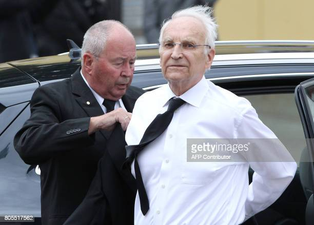 Edmund Stoiber arrives for a memorial service for late former Chancellor Helmut Kohl on July 1 2017 at the cathedral in Speyer Helmut Kohl the former...