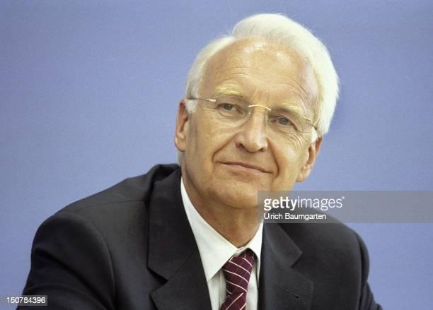 Edmund STOIBER premier of Bayern during Federal press conference