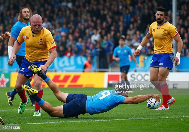 Edoardo Gori of Italy scores their second try during the 2015 Rugby World Cup Pool D match between Italy and Romania at Sandy Park on October 11 2015...