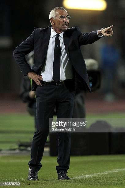 Edoardo Reja manager of Atalanta BC shouts instructions to his players during the Serie A match between Empoli FC and Atalanta BC at Stadio Carlo...