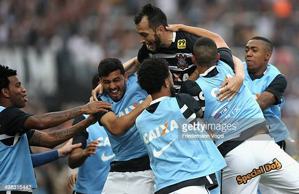 Edu Dracena of Corinthians celebrates scoring the third goal with his team during the match between Corinthians and Sao Paulo for the Brazilian...
