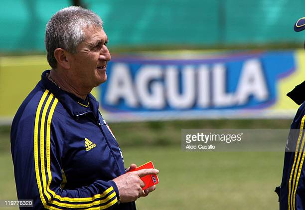 Eduardo Lara Colombia`s coach during a training session prior to the match between Colombia and Francia for the Group A of Sub20 World Cup 2011 on...