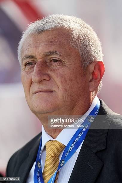 Eduardo Lara the head coach / manager of El Salvador looks on during the Copa Centroamericana match between El Salvador and Honduras at Estadio...