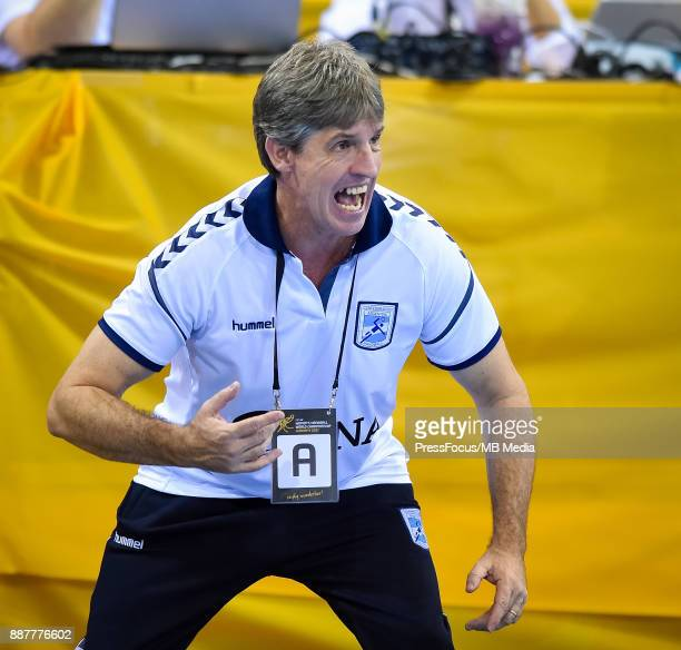 Eduardo Peruchena head coach of Argentina reacts during IHF Women's Handball World Championship group B match between Sweden and Argentina on...