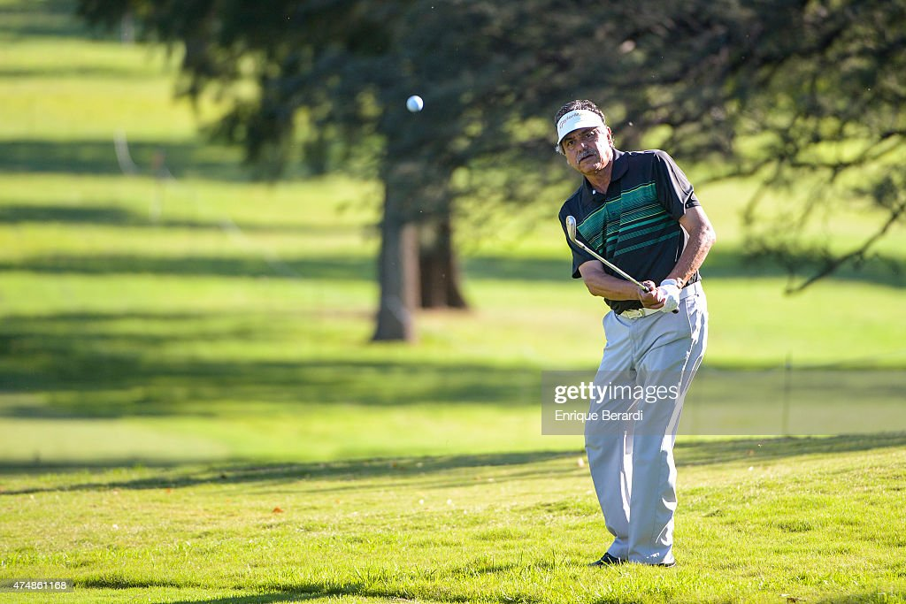 <a gi-track='captionPersonalityLinkClicked' href=/galleries/search?phrase=Eduardo+Romero&family=editorial&specificpeople=207196 ng-click='$event.stopPropagation()'>Eduardo Romero</a> of Argentina hits from the 11th hole fairway during the first round of the 84° Abierto OSDE del Centro presentado pro Fiber Corp at Córdoba Golf Club on April 16, 2015 in Córdoba, Argentina.