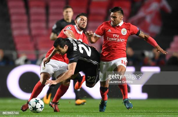 Eduardo Salvio of Benfica and Henrikh Mkhitaryan of Manchester United during the UEFA Champions League group A match between SL Benfica and...