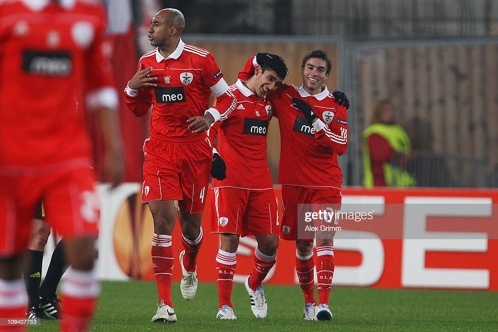 <a gi-track='captionPersonalityLinkClicked' href=/galleries/search?phrase=Eduardo+Salvio&family=editorial&specificpeople=5670924 ng-click='$event.stopPropagation()'>Eduardo Salvio</a> (2R) of Benfica celebrates his team's first goal with team mates Nicolas Gaitan (R) and <a gi-track='captionPersonalityLinkClicked' href=/galleries/search?phrase=Luisao&family=editorial&specificpeople=490899 ng-click='$event.stopPropagation()'>Luisao</a> (L) during the UEFA Europa League match round of 32 second leg between VfB Stuttgart and Benfica at Mercedes-Benz Arena on February 24, 2011 in Stuttgart, Germany.